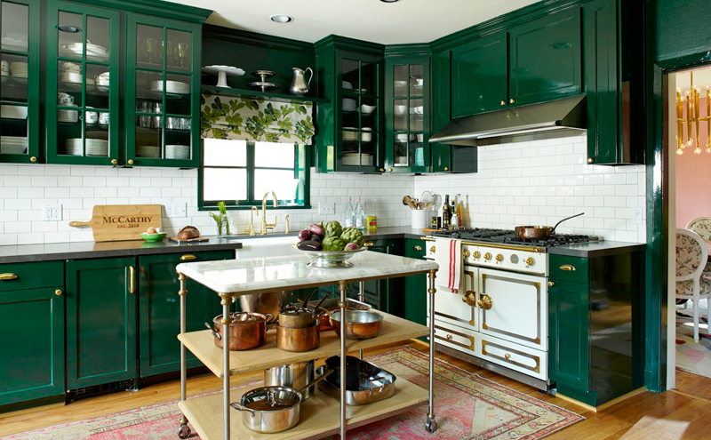 Dark green cabinetry in Vaughan - Home renovation