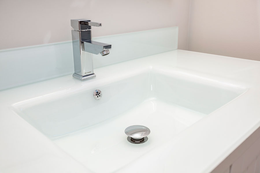 Glas sink with Blanco faucet