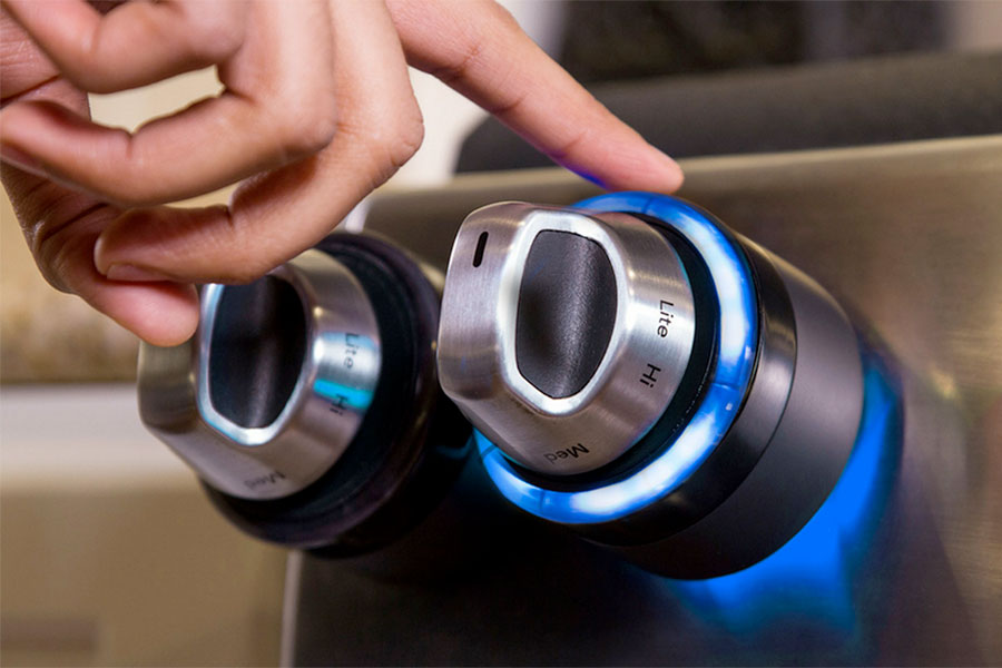 Inirv React - Control your stove's knobs from your smartphone