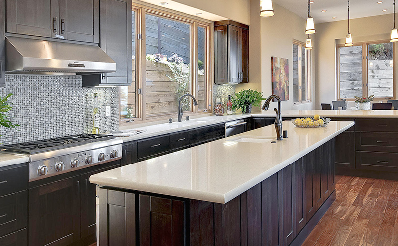 Quartz countertops are easy to clean - Vaughan kitchen renovations