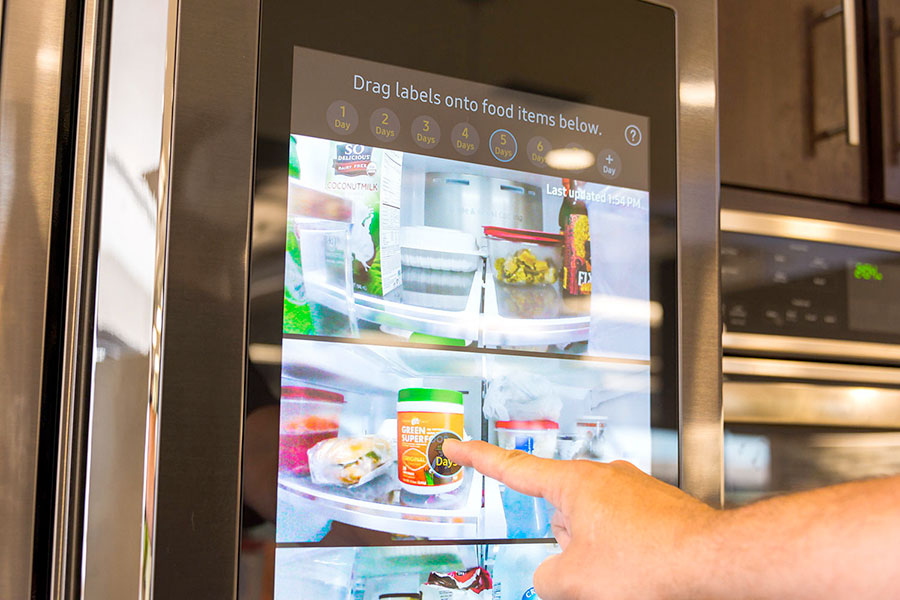 Samsung Family Hug smart refrigerator works as a comunication center for your home.