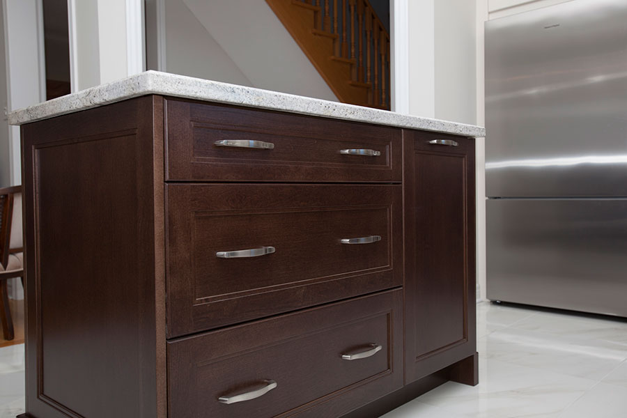 beautiful-windsorkkitchen-aisle-in-an-espresso-finish