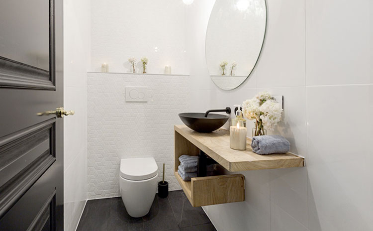 Powder room remodelling in Caledon East