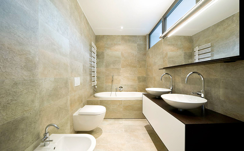 Straight and modern bathroom design