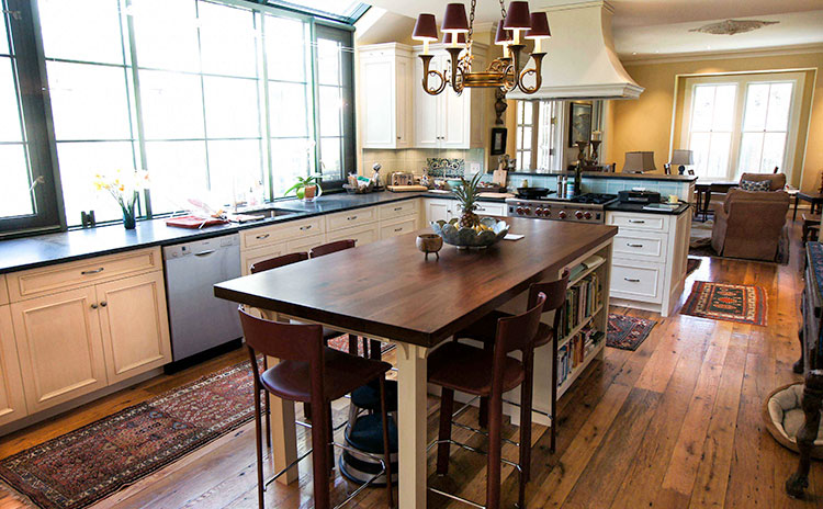 Kitchen remodelling - Use an antique table as a kitchen island